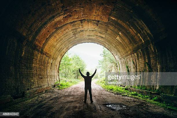 light at the end of the tunnel - finale stockfoto's en -beelden