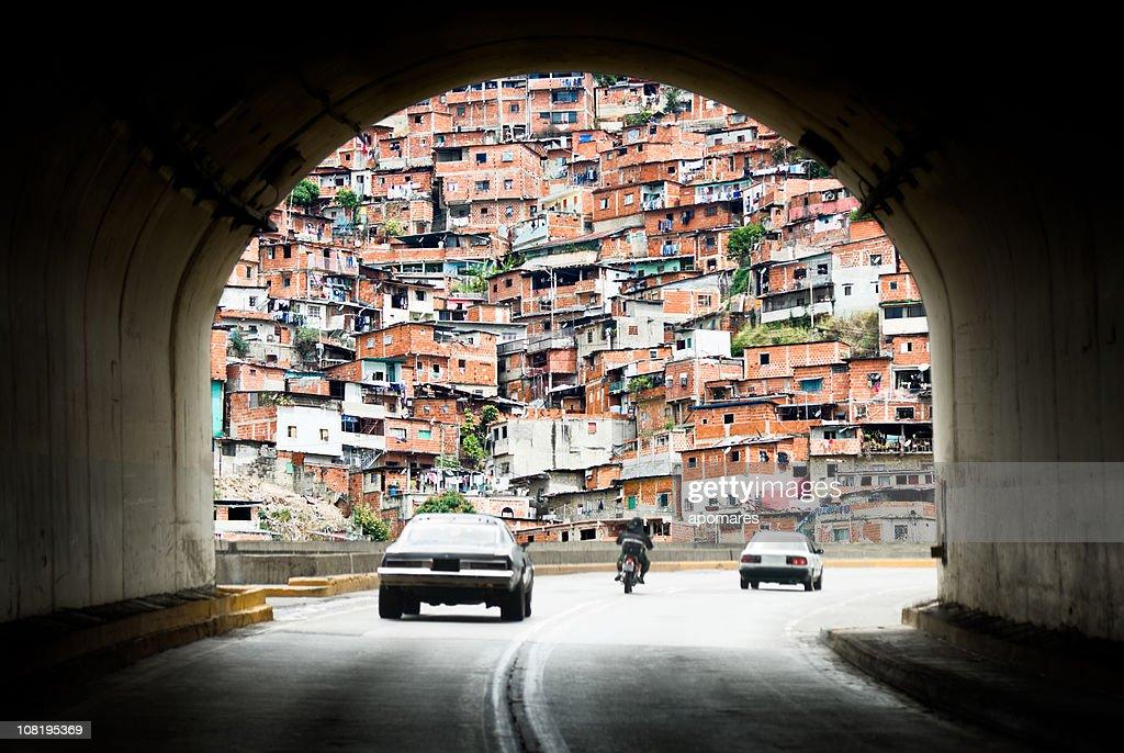 光の終わりに、tunnel を通過しますか? : ストックフォト