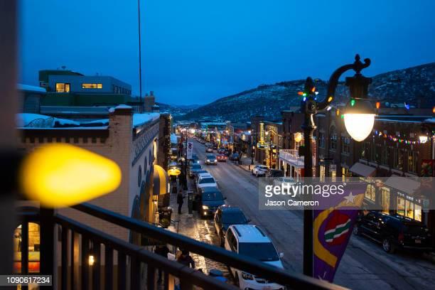 light bulb and park city - ユタ州 パークシティ ストックフォトと画像