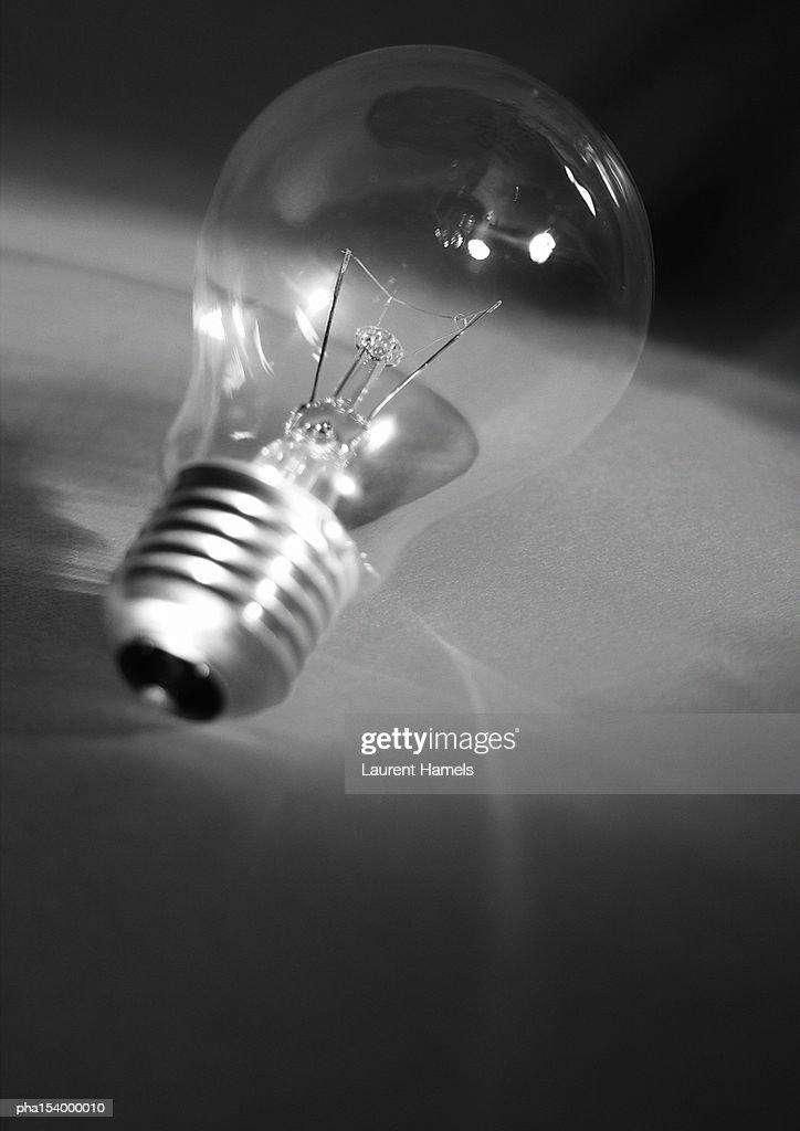 Light bulb, b&w. : Stockfoto