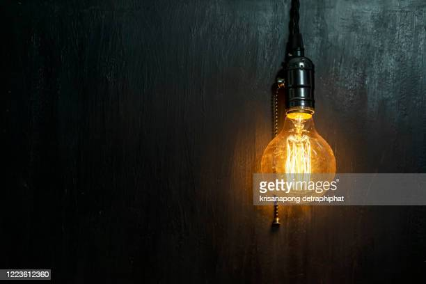 light bulbs concept,ideas of new ideas with innovative technology and creativity. - フィラメント ストックフォトと画像