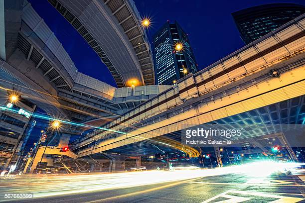 light stream under the elevated expressway - shinjuku ward stock pictures, royalty-free photos & images