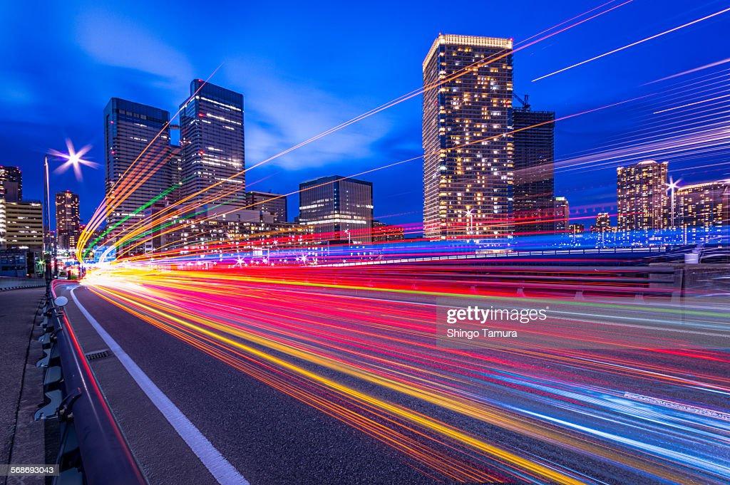 Light trails of harumi street : Foto de stock