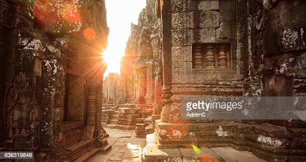 Light trought the old temple of Bayon