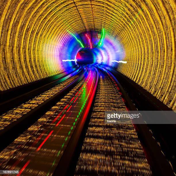 光トンネル - light natural phenomenon ストックフォトと画像