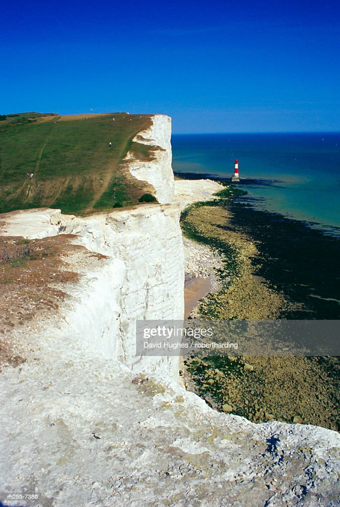 Lighthouse and chalk cliffs of Beachy Head near Eastbourne from the South Downs Way, East Sussex, England, UK, Europe : Stockfoto