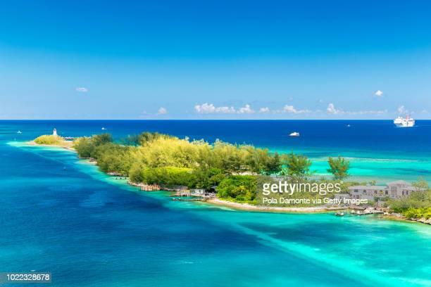 lighthouse at bahamas tropical beach scenery, nassau, caribbean. - ナッソー ストックフォトと画像