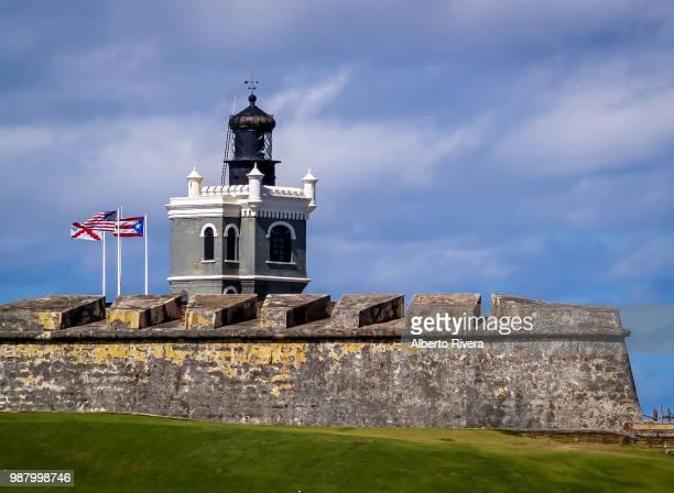lighthouse at el morro - paisajes de puerto rico fotografías e imágenes de stock