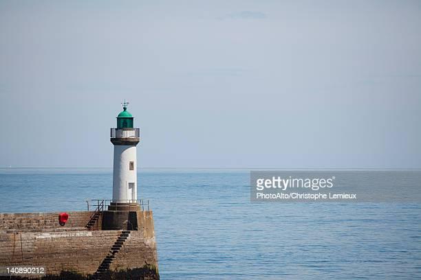lighthouse at le palais, belle-ile-en-mer, morbihan, brittany, france - phare photos et images de collection