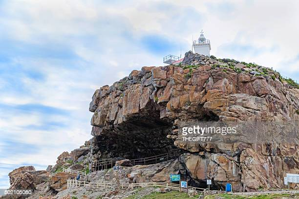 lighthouse in mossel bay, with st blaize trail - mossel bay stock pictures, royalty-free photos & images