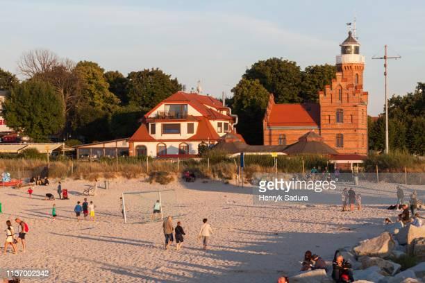 lighthouse in ustka - lugar histórico imagens e fotografias de stock