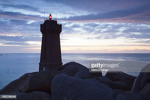 Lighthouse Meen Ruz, Ploumanach, Cote de Granit Rose, Cotes d'Armor, Brittany, France, Europe