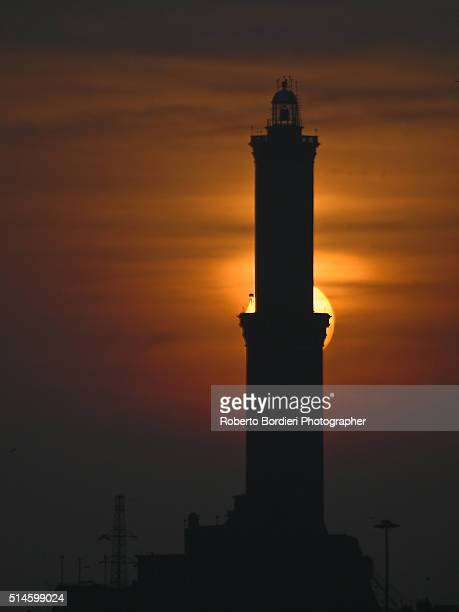 lighthouse of genova ( symbol fo the city) - roberto bordieri stockfoto's en -beelden