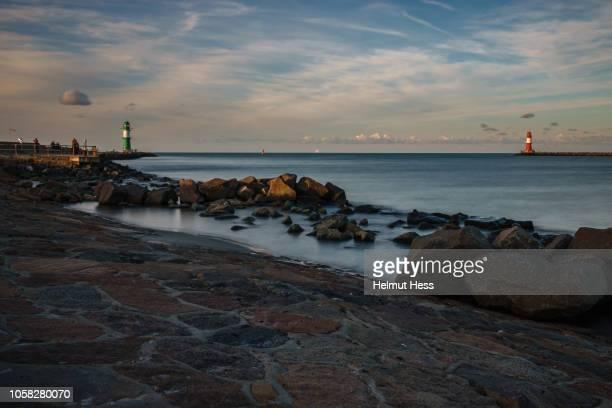 lighthouse of warnemünde - mecklenburg vorpommern stock pictures, royalty-free photos & images