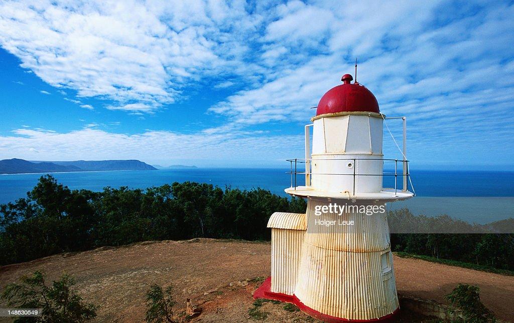 Lighthouse on Grassy Hill. : Foto de stock