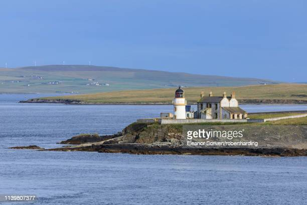 lighthouse on helliar holm in orkney islands, scotland, europe - eleanor holm bildbanksfoton och bilder