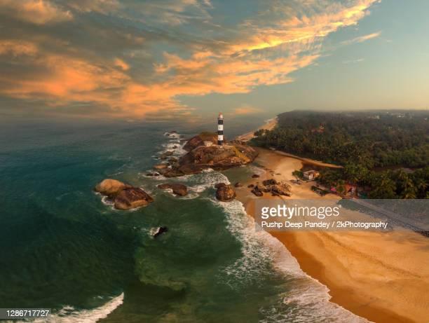 lighthouse on indian coastline at karnataka - karnataka stock pictures, royalty-free photos & images