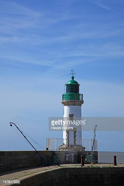 lighthouse, ville port, st nazaire, loire atlantique, brittany, france - loire atlantique stock pictures, royalty-free photos & images