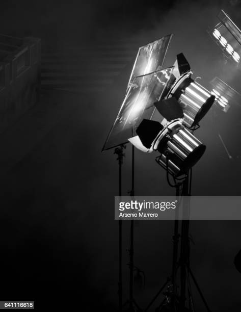 lighting cine equipment - stage set stock pictures, royalty-free photos & images