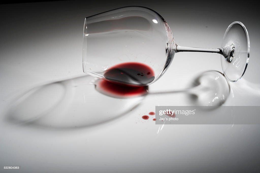 Lighting effect of red wine glasses : Stock Photo