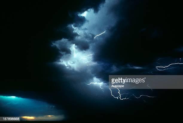 Lightning cloud to cloud