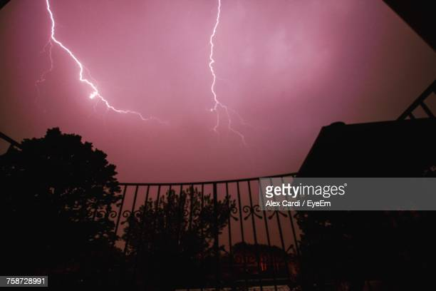 lightning in sky at night - cardi stock pictures, royalty-free photos & images