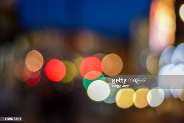 lights in piccadilly at night - sergio amiti stock pictures, royalty-free photos & images