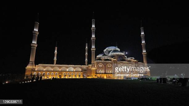 lights of istanbul and camlica mosque. çamlıca is the most beautiful hill in istanbul. the biggest building of this hill is the camlica mosque at night in istanbul turkey - royal tour stock pictures, royalty-free photos & images