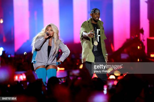 Lil' Kim AND Fabolous perform onstage during VH1 Hip Hop Honors The 90s Game Changers at Paramount Studios on September 17 2017 in Los Angeles...