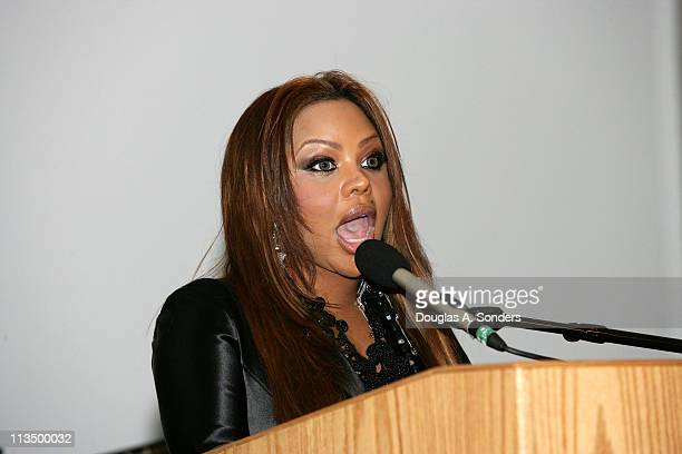 "Lil Kim during ""Children Uniting Nations Second Annual National Conference"" at Woodrow Wilson International Center for Scholars in Washington DC..."