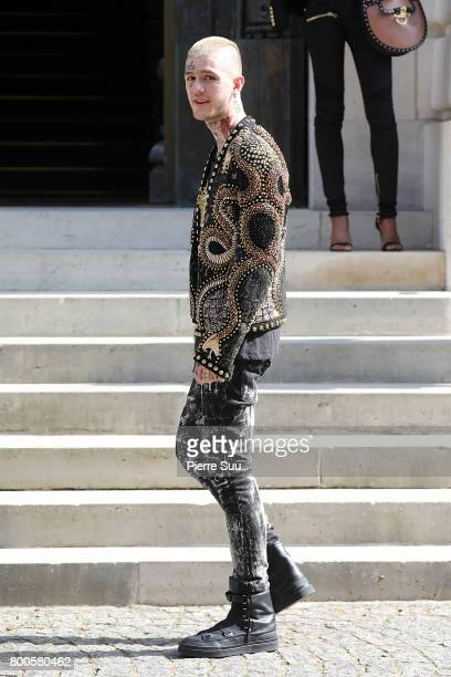 Lil Peep arrives at the Balmain Menswear Spring/Summer 2018 show as part of Paris Fashion Week on June 24 2017 in Paris France
