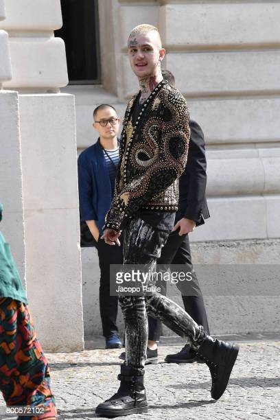 Lil Peep is seen arriving at Balmain fashion show during Paris Fashion Week Menswear Spring/Summer 2018 on June 24 2017 in Paris France