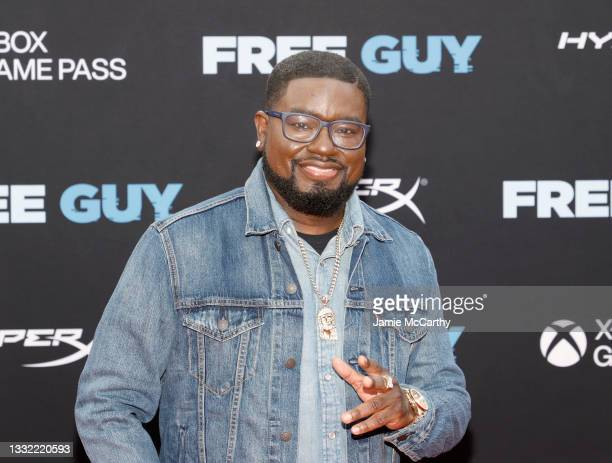 """Lil Rel Howery attends the """"Free Guy"""" New York Premiere at AMC Lincoln Square Theater on August 03, 2021 in New York City."""