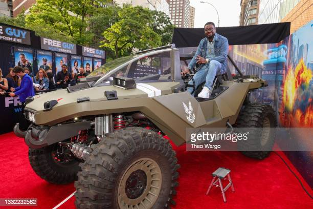 Lil Rel Howery attends the World Premiere of 20th Century Studios' Free Guy on August 03, 2021 in New York City.