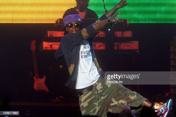 Lil Wayne performing at Jones Beach on Saturday night August 1 2009