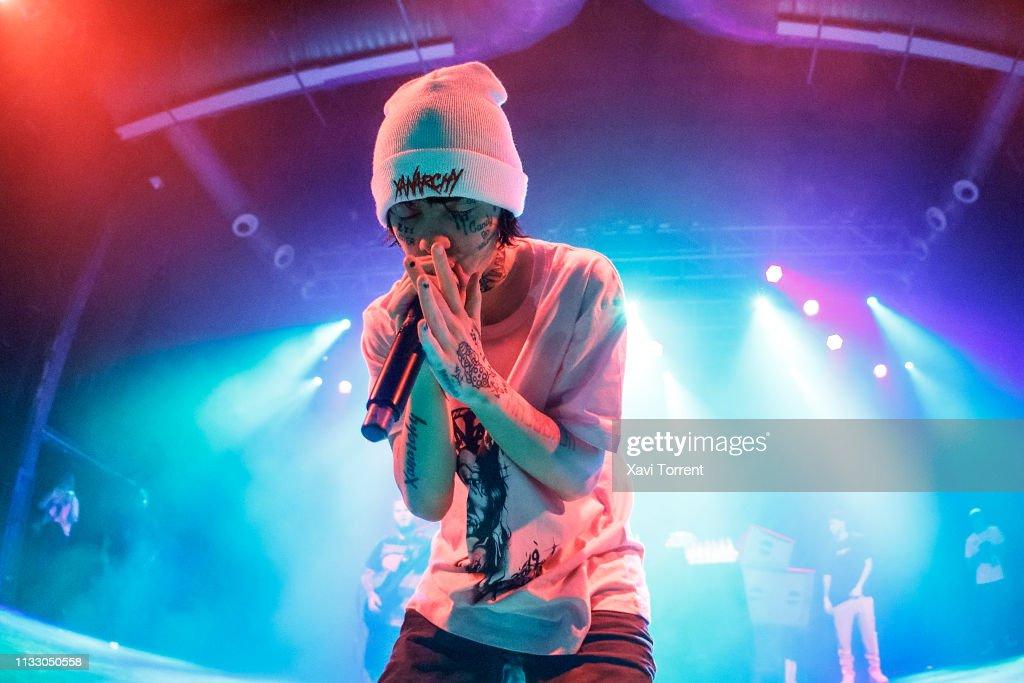 ESP: Lil Xan Performs In Concert In Barcelona