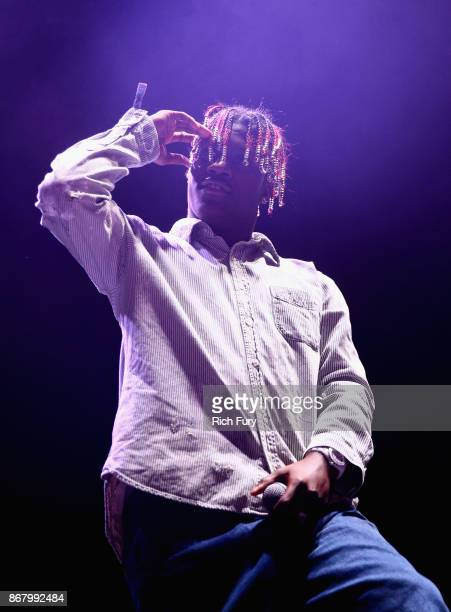 Lil Yachty performs on the Stage during day 2 of Camp Flog Gnaw Carnival 2017 at Exposition Park on October 29 2017 in Los Angeles California