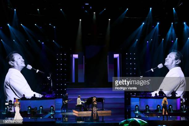 Lila Downs, Arthur Hanlon, Alejandra Guzmán, and Yuri perform onstage during Univision's 33rd Edition of Premio Lo Nuestro a la Música Latina at...