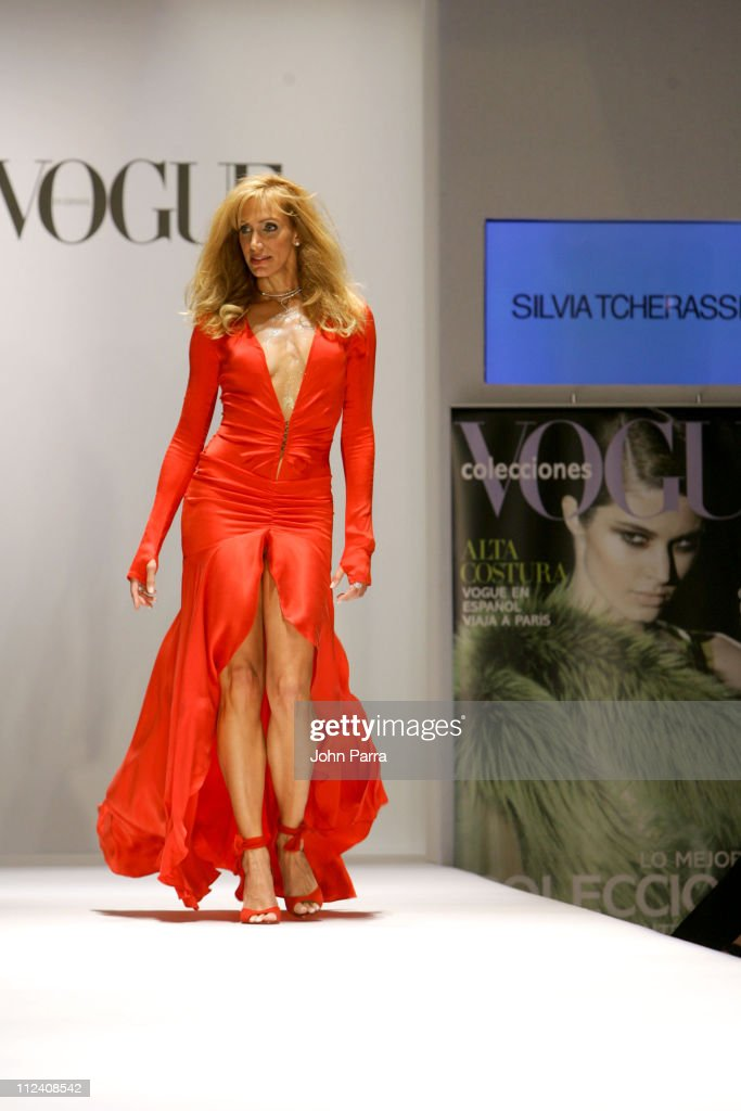 Vogue Colecciones Fall/Winter 2004/'05 Collection Fashion Show