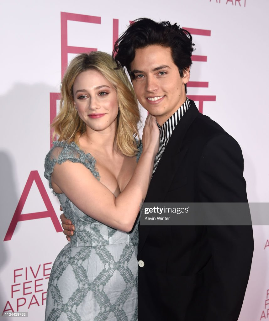 "Premiere Of Lionsgate's ""Five Feet Apart"" - Red Carpet : News Photo"