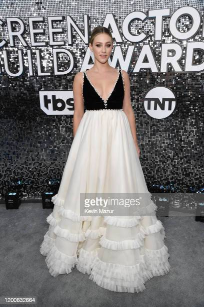 Lili Reinhart attends the 26th Annual Screen Actors Guild Awards at The Shrine Auditorium on January 19, 2020 in Los Angeles, California. 721336