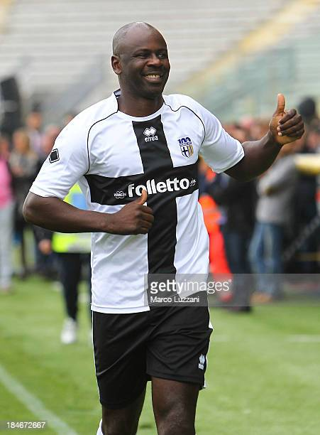 Lilian Thuram of Stelle Crociate salutes the crowd before the 100 Years Anniversary match between Stelle Crociate and US Stelle Gialloblu at Stadio...