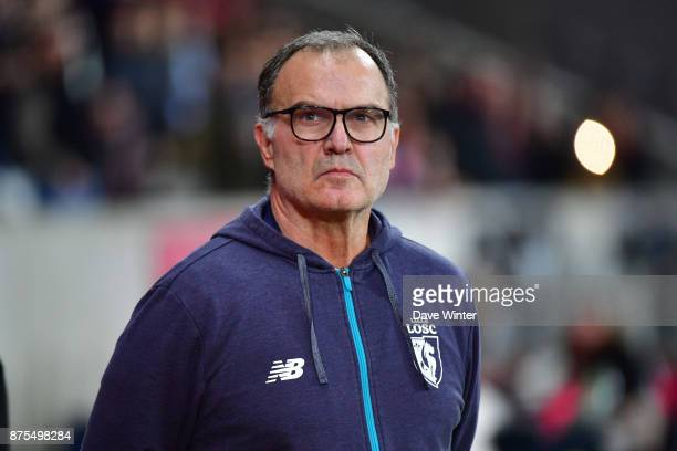 Lille coach Marcelo Bielsa during the Ligue 1 match between Lille OSC and AS SaintEtienne at Stade Pierre Mauroy on November 17 2017 in Lille France