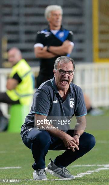 Lille coach Marcelo Bielsa shouts to his players during the preseason friendly match between Atalanta BC and LOSC Lille at Stadio Atleti Azzurri...