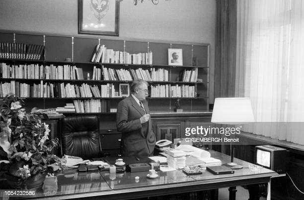 Lille France 6 mars 1983 Pierre MAUROY Premier ministre et maire sortant de Lille le jour du premier tour des élections municipales des 6 et 13 mars