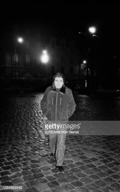 Lille France février 1982 Le chanteur Serge LAMA à Lille pour une série de concerts au théâtre Sébastopol du 1er au 5 février Ici marchant seul de...