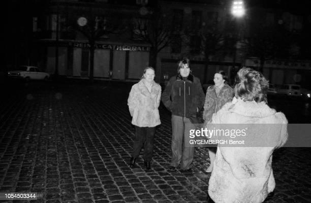 Lille France février 1982 Le chanteur Serge LAMA à Lille pour une série de concerts au théâtre Sébastopol du 1er au 5 février Ici se faisant...
