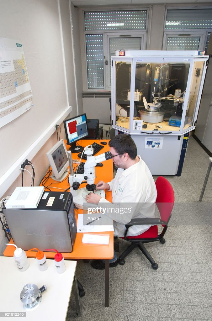 Lille (northern France), National Chemical Engineering Institute, 'Ecole nationale superieure de chimie de Lille' (ENSCL or Chimie Lille), May 2015: researcher in a laboratory equipped with a diffraction unit.