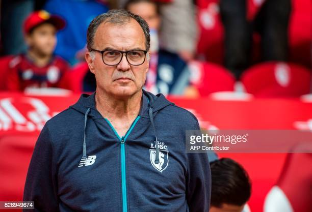 Lille's Argentinian head coach Marcelo Bielsa looks on during the French Ligue 1 football match between Lille and Nantes on August 6 2017 at Pierre...