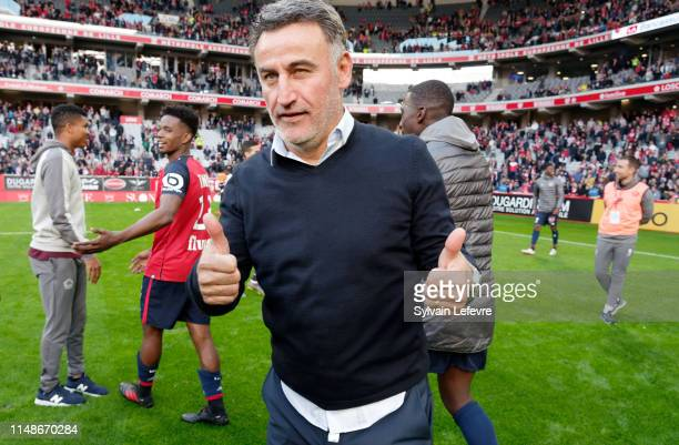 Lille's coach Christophe Galtier celebrates at the end of the Ligue 1 match between Lille and Bordeaux at Stade Pierre Mauroy on May 12, 2019 in...